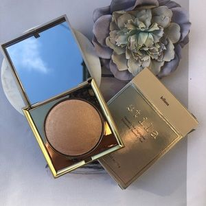 New Stila Heaven's Hue Brilliance Highlighter